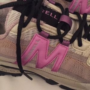 Final markdown Merrell athlete ladies shoes,